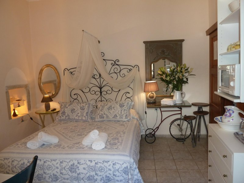 5- Stylish-Relaxing house-Self checkin- Fast & Reliable Wi-Fi for digital nomads, vacation rental in Kato Valsamonero