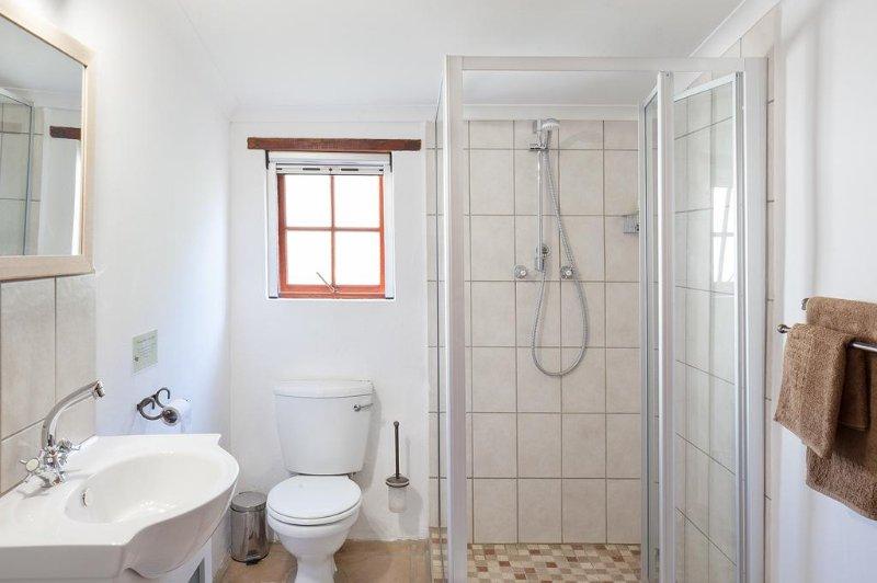 Kingfisher cottage, bathroom