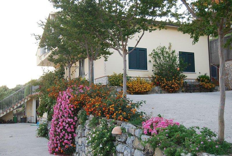 Villa Del Golfo 4 posti letto Vicino Al Mare Blu Cilento Bandiera Blu 2018, location de vacances à Scario