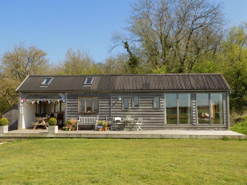 Log Cabin at The Old Summer Dairy, Ferienwohnung in Butleigh