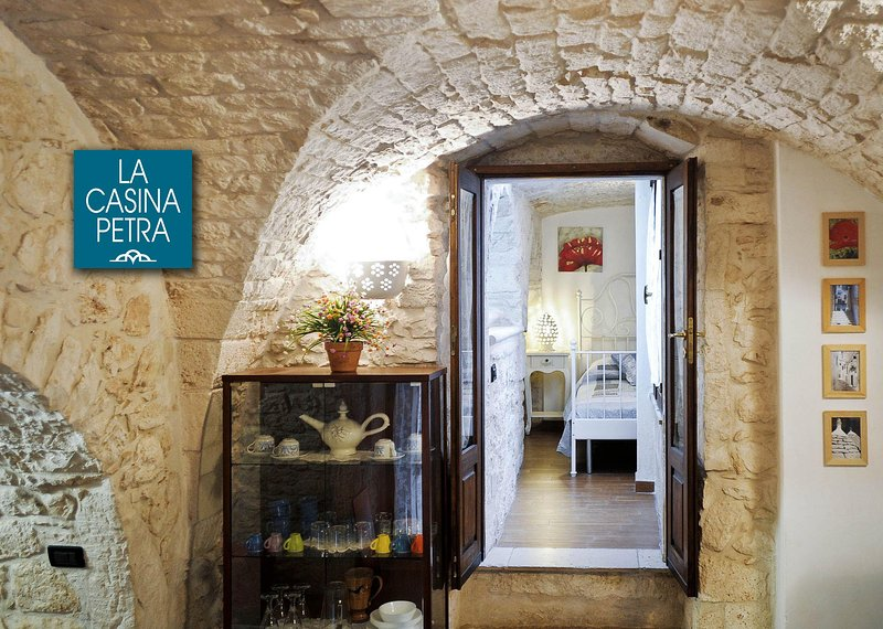 Casina Petra romantic apartment in local stone.