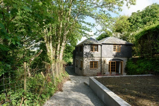 Coach House - a luxury property in a beautiful peaceful location close the town