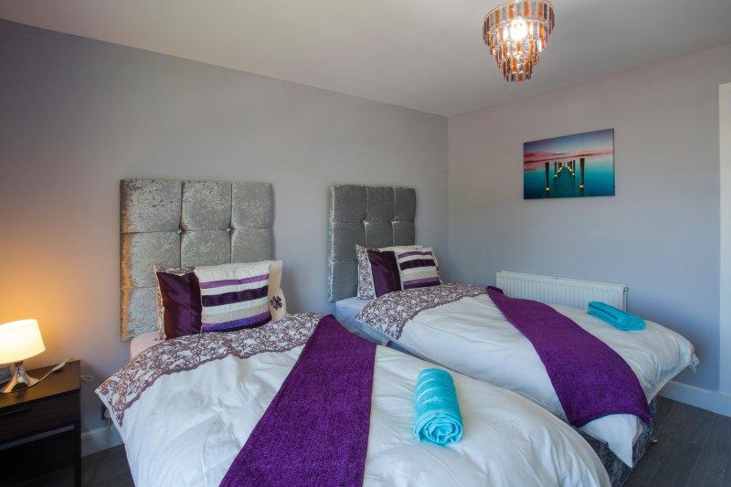 Single Bedroom - 2 Crushed Velvet Single Beds - Sleeps 2 + Wardrobe & Side Table lamp + Desk