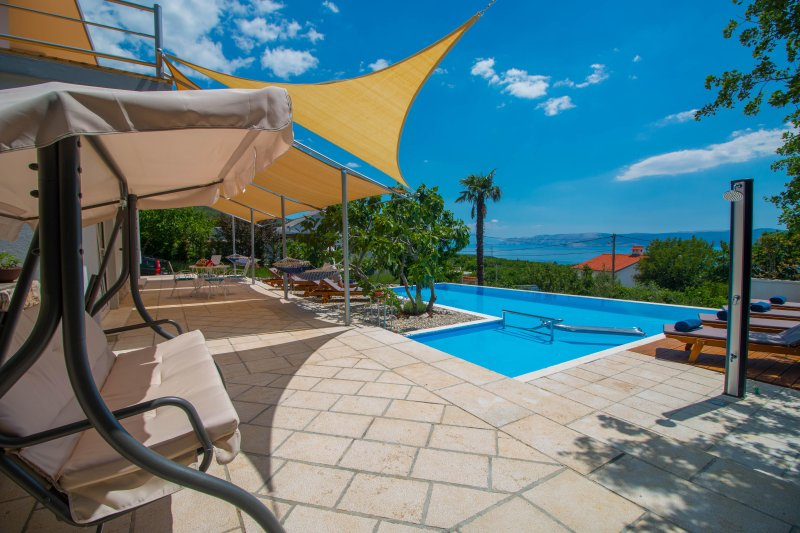 Oganic Gardens Villa - One Great Vacation, holiday rental in Crikvenica