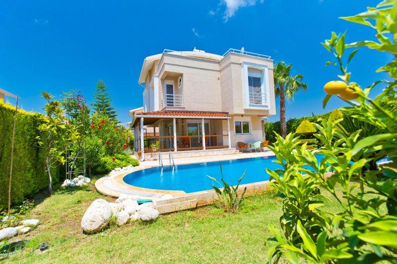 Paradise Town ART Villa, vacation rental in Belek