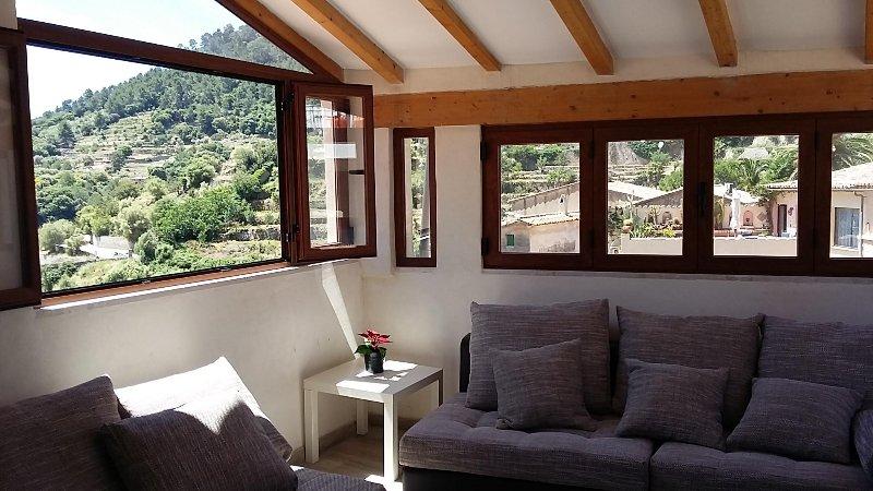 Valldemossa Sweet Holidays with amazing views, vacation rental in Bunyola