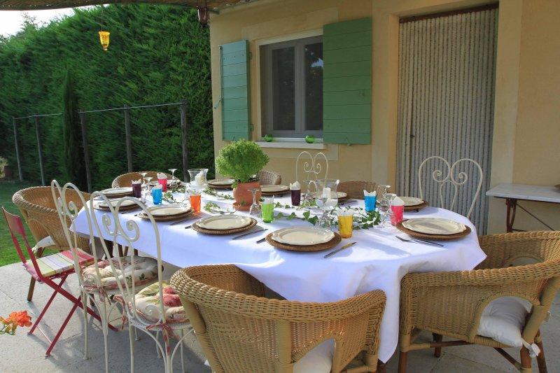 Maisonnette Avec Terrasse Sur 1000m2 De Jardin Piscine