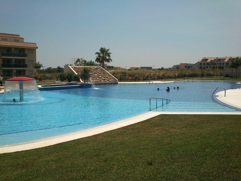 Panorámica Golf, tranquilo apartamento con gran terraza, holiday rental in La Senia