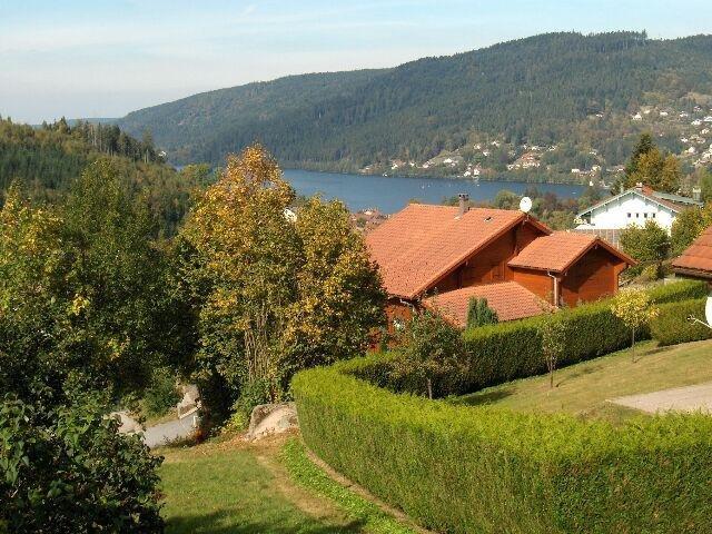 Appartement neuf avec terrasse ensoleillée Vue sur lac en duplex de 78 m2, alquiler de vacaciones en Gerardmer
