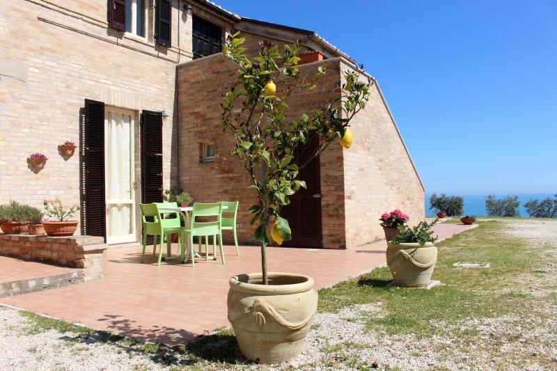 B&B Collina sul mare- Appartamento degli ulivi, holiday rental in Fermo