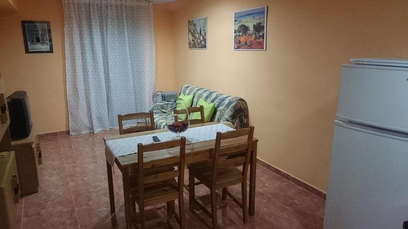 Apartamento Bajo Aragon- Matarraña 2i, holiday rental in Fabara