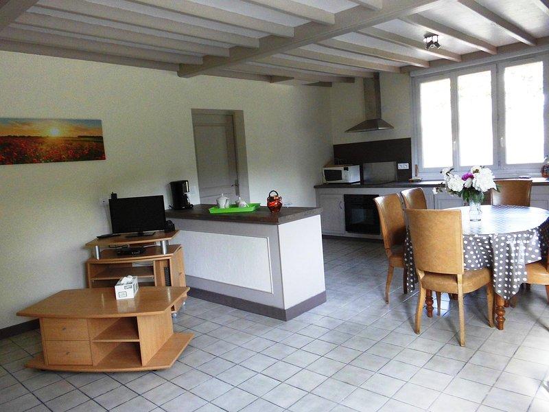 Gîte l' Atelier 1 à 6 personnes,  à Buire au Bois , parking , Wi - fi, holiday rental in Beauvoir Wavans