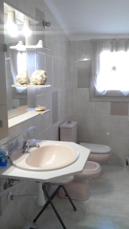 baño completo con bañera planta superior