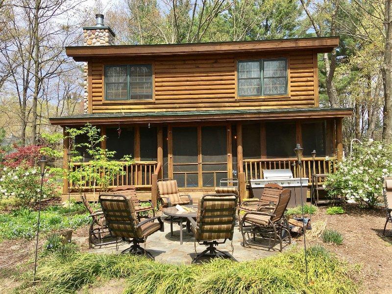 playhouse cabin luxury log cabin has central heating and dvd rh tripadvisor com