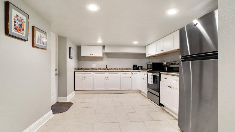 Secondary downstairs kitchen available for groups more than 12 with additional rental fee