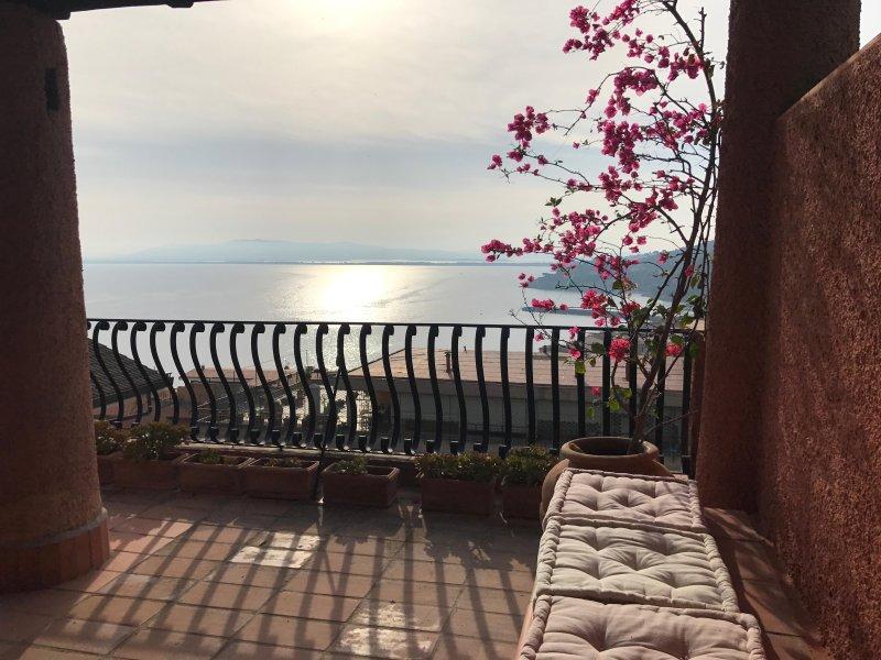 Attico Panoramico, aluguéis de temporada em Porto Santo Stefano