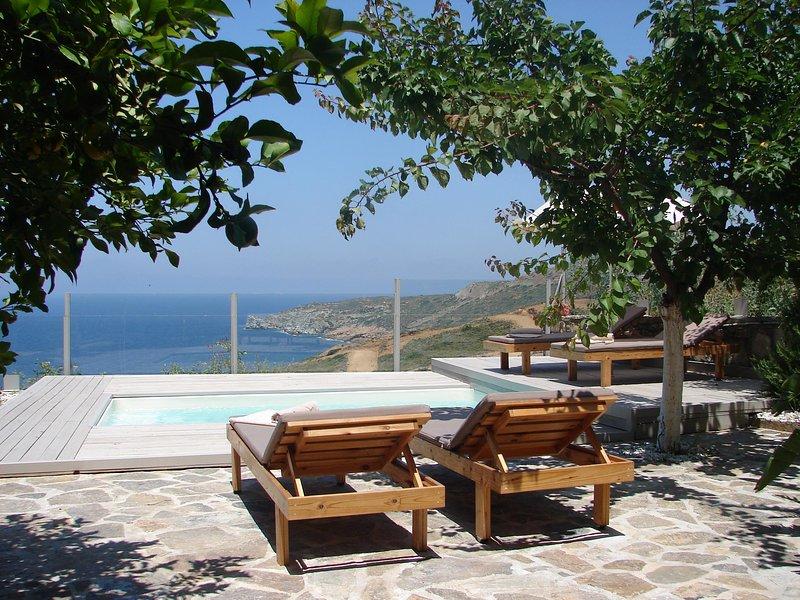 Bluevedere Private Villa, vacation rental in Agia Pelagia