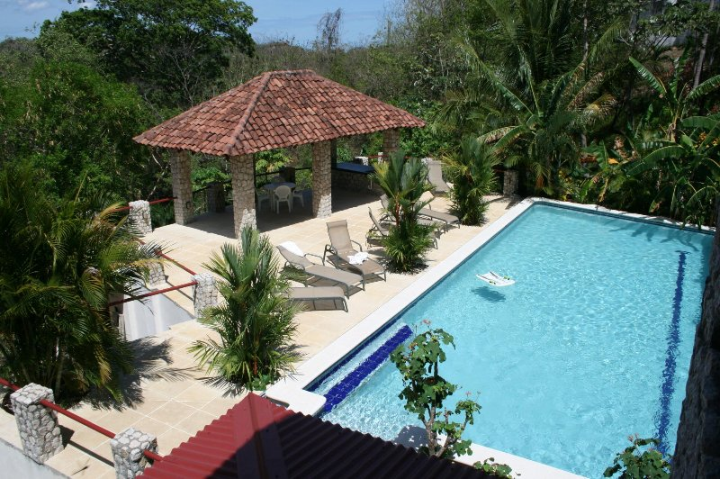 VILLAS CASA LOMA (Villa 4) - FLAMINGO BEACH'S BEST KEPT SECRET FOR OVER 30 YEARS, holiday rental in Playa Prieta