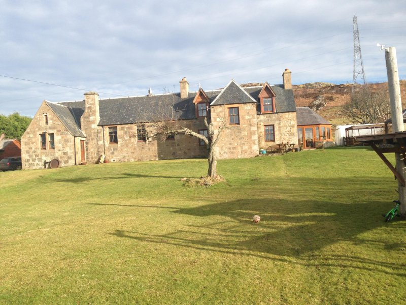 Charming Victorian school/ schoolhouse, unique holiday let in the Highlands.