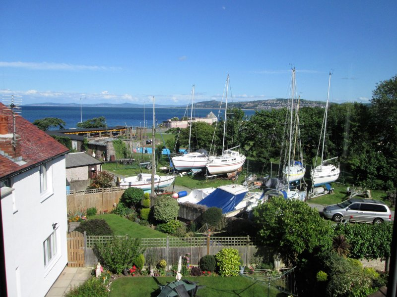 St. David's Holiday Apartments, Apartment 7, Second floor.2 Bedrooms,double&twin, holiday rental in Rhos-on-Sea