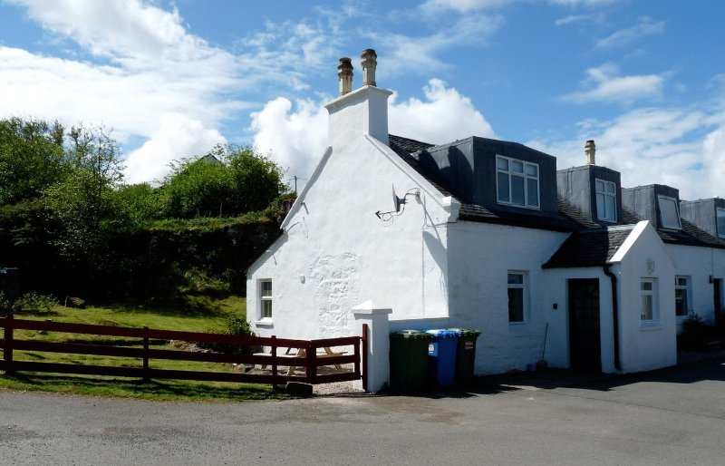Keepers Cottage, Staffin, holiday rental in Kilmaluag
