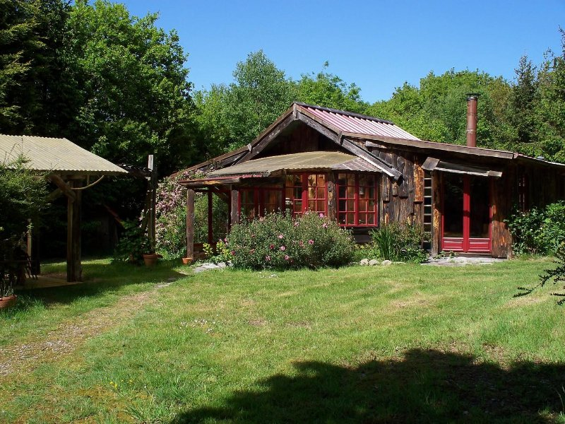 La Maison des Bois, vacation rental in Fermanville
