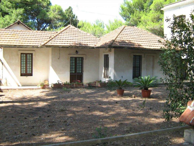 Dependence di Villa Antica a pochi metri dal mare Unità 2, casa vacanza a Santa Caterina