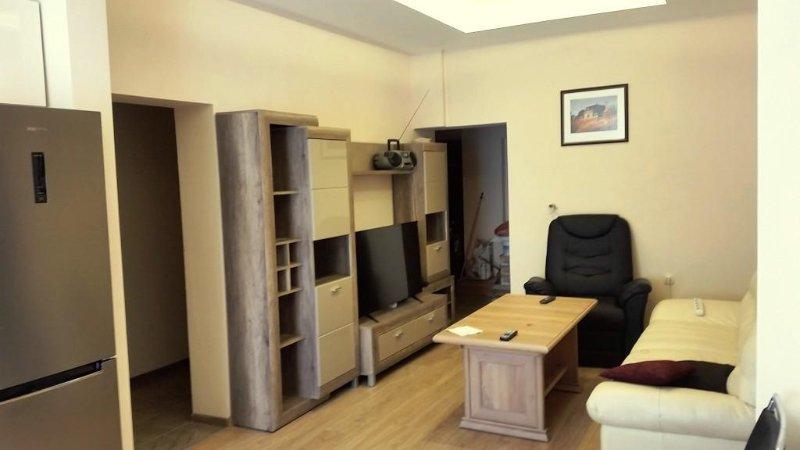 Nice 3 Bedroom Downtown Apartment with Free Parking, aluguéis de temporada em Sófia