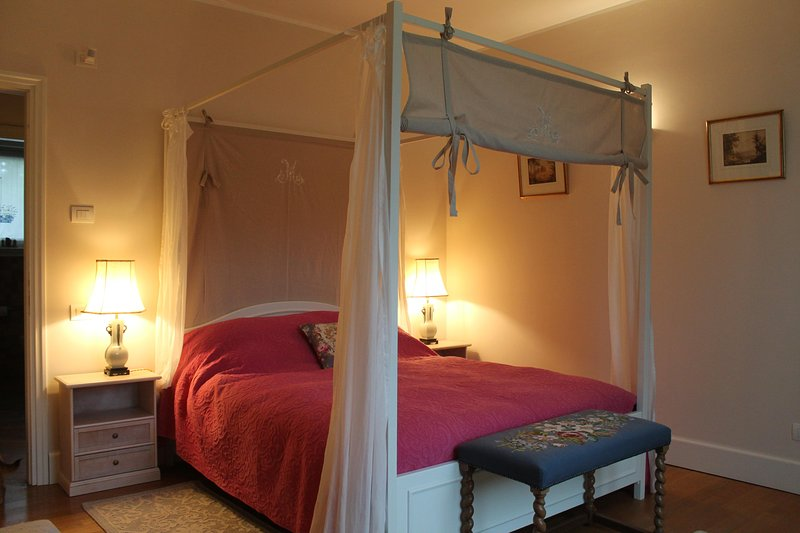 The Garden room with a fourposter bed and the possibility of adding a single bed.