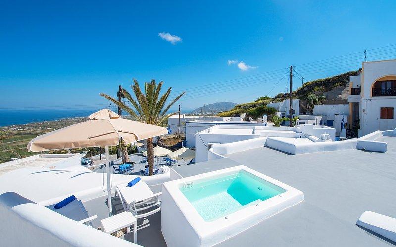 Tholos Arched Villa, Jacuzzi with Sea view, location de vacances à Vourvoulos