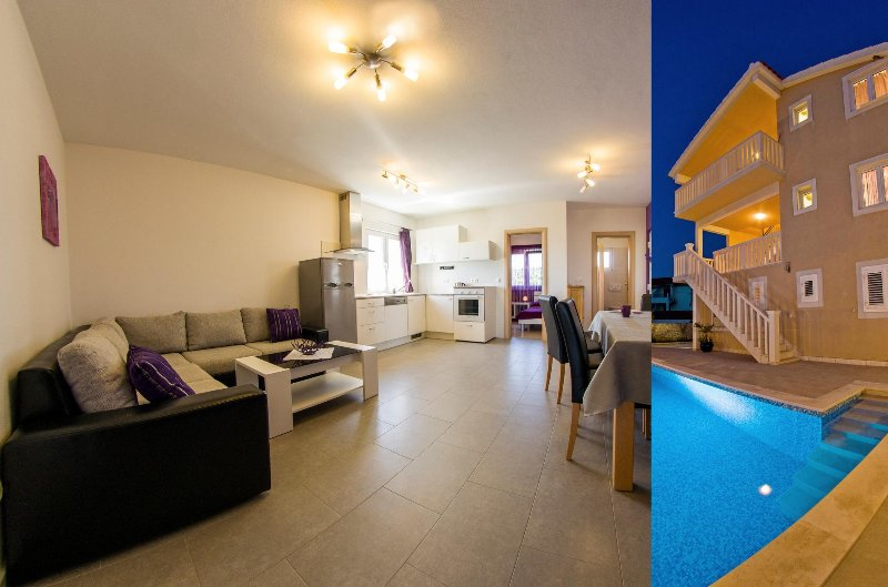 Elegant spot with pool and lovely sea view I, holiday rental in Sumartin
