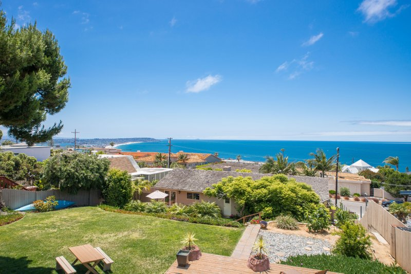 House has panoramic views of the California coast. Lounge around and enjoy the Pacific sea breeze
