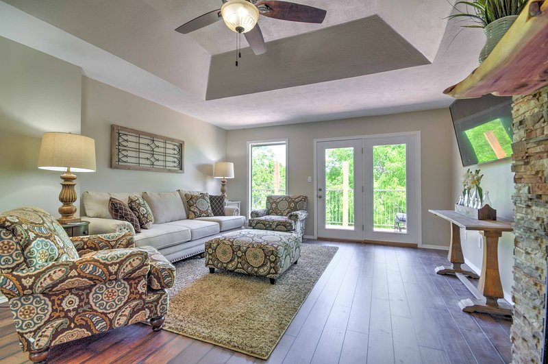 Bring your loved ones for an unforgettable Branson escape at this spacious 4-bedroom, 4-bathroom vacation rental townhome in Missouri.