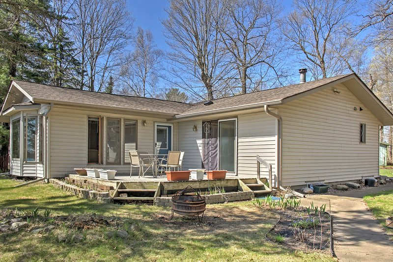 The 3 bedroom, 2 bathroom home has space for 6 guests.