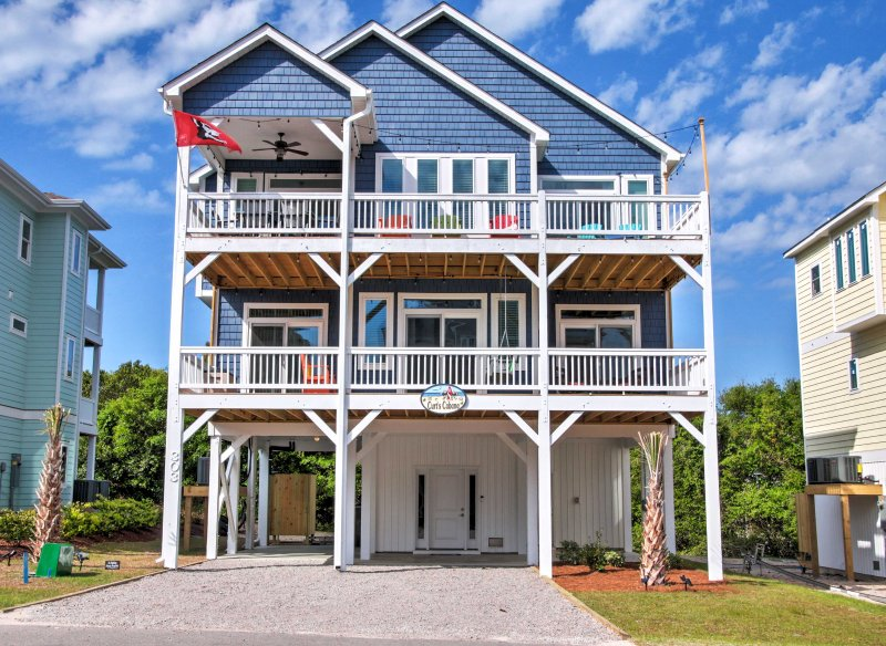 Plan your next North Carolina escape to this vacation rental house in Surf City.