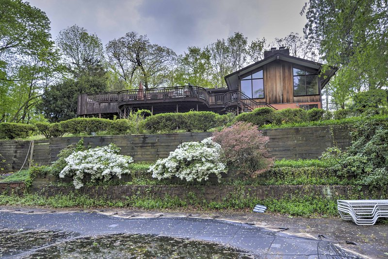 Enjoy a private getaway in a pastoral setting at this Watchung vacation rental home!