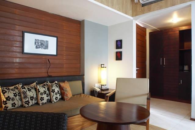 pequeña sala de estar en la sala
