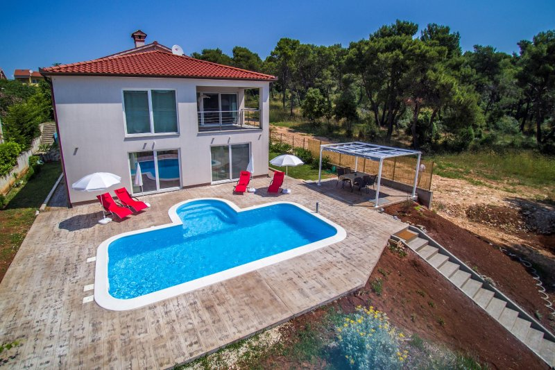 Apartment Karasi - luxury apartment with private pool and terrace