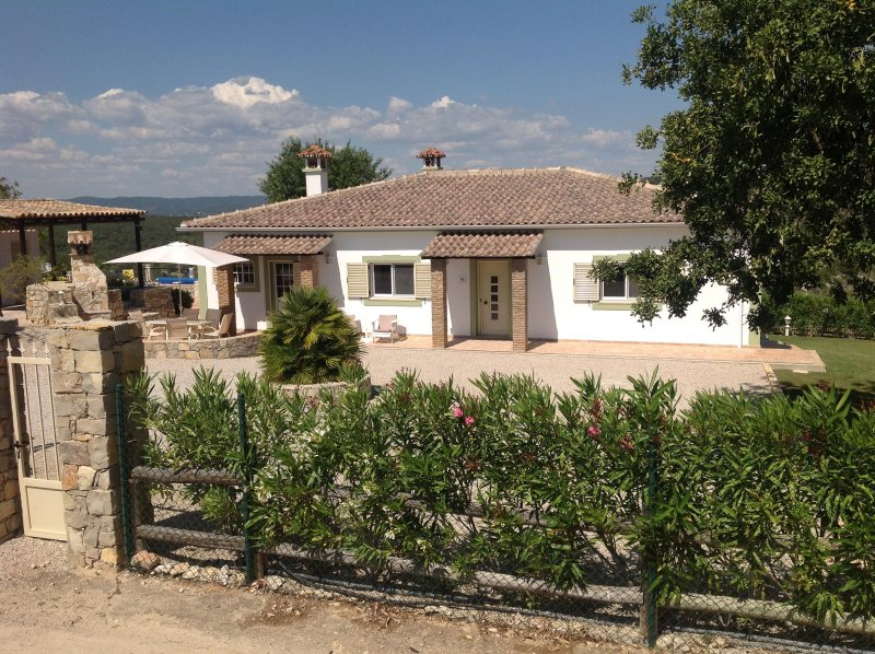 Villa Peacehaven, holiday rental in Loule
