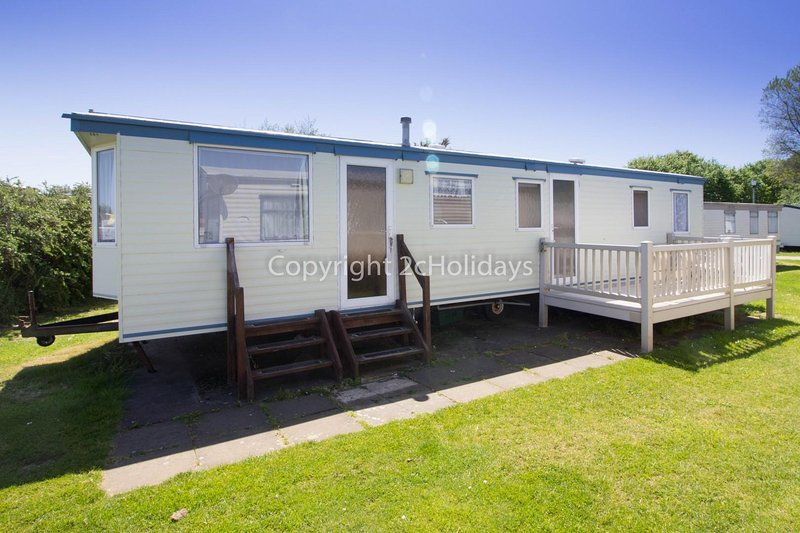 8 berth caravan for hire at Broadland Sands Holiday Park. Emerald rated.