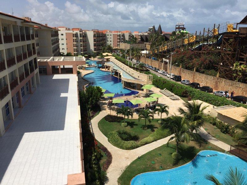 Uitzicht op Main Pool en Beach Park naast