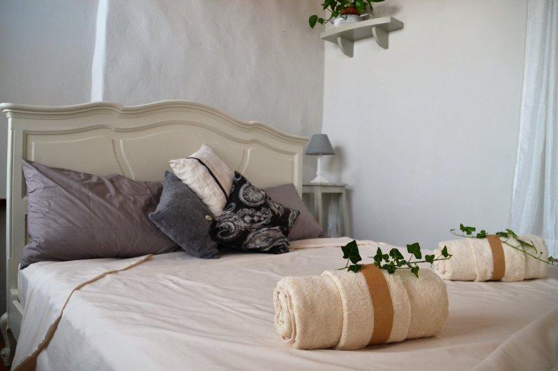 B&B Balcone del Biellese - colazione inclusa - WI-FI free, vacation rental in Scopa