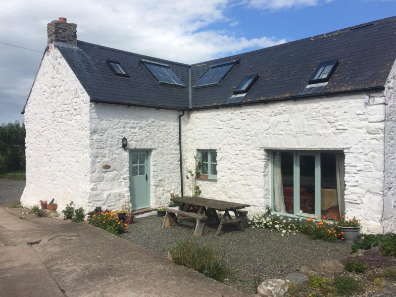 The Cottage, holiday rental in Little Haven