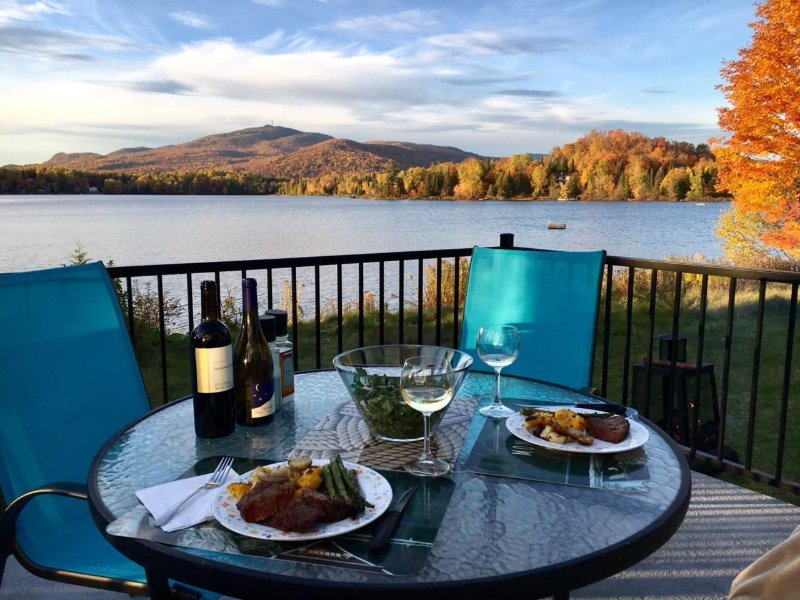 Lakefront property with a spectacular view of the mountain of Mont Tremblant