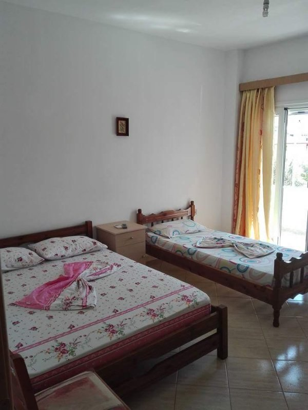 Villa Mihal Apartments, holiday rental in Ksamil