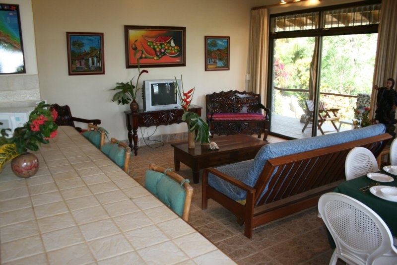 Villas Casa Loma - (Suite 401): Tropical Villa with Pools and Spectacular Views!, holiday rental in Playa Prieta