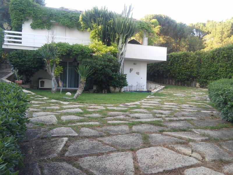 Villa Eloro for 2 to 6 people close to the sea, location de vacances à Noto
