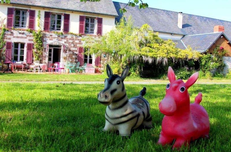 La ferme à Colette, Gite 10 à 20 pers, agréable et calme proche de la mer, location de vacances à Quettreville-sur-Sienne