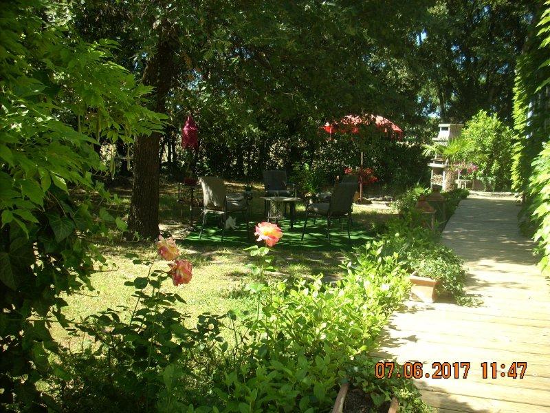 Le Jardin de Charlotte, holiday rental in Sainte-Anastasie