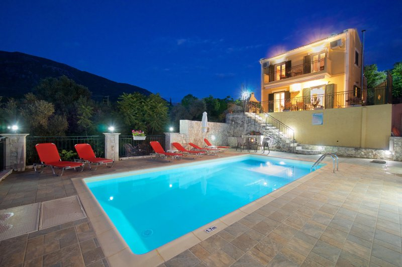 STUNNING TRANQUIL  2 BEDROOM   VILLA WITH PRIVATE POOL, holiday rental in Sami